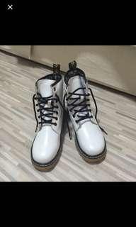 Ladies white boots