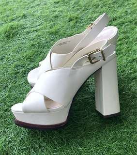 New charles & Keith
