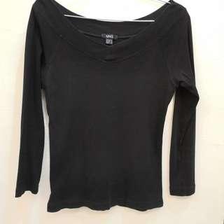MNG Black wide collar Top