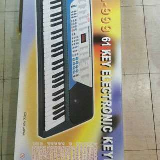 61 keys keyboard