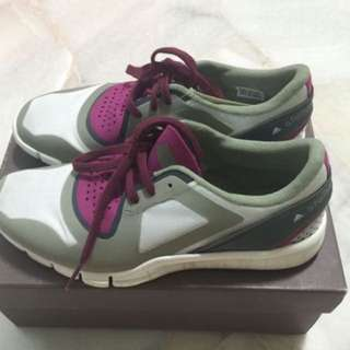 Adidas WMNS Stella McCartney Shoes (Size US7)