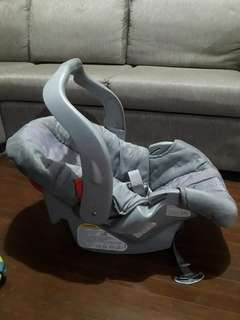 Graco infant carseat carrier