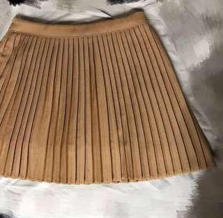 啡色百褶短裙