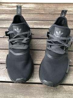 Adidas Nmd R1 black ( custom black midsole )