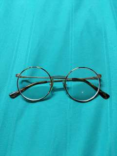 Burberrys Vintage Gold Round Glasses