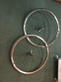 Shimano RX830 disc wheelset