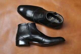 Pantofel Cevany Zipper Leather