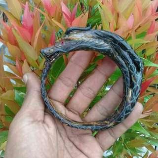 Red akar bahar cintamani laut carved dragon