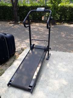Treadmil Manual Mulus merk Relent