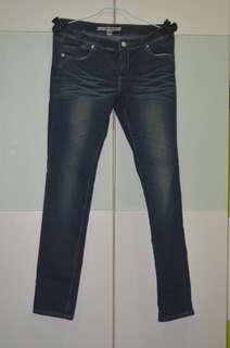 深藍刷白牛仔褲