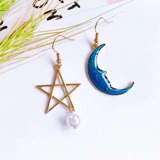 Ready Stock! Korean Asymmetrical Cute Moon & Star Pearl Earrings