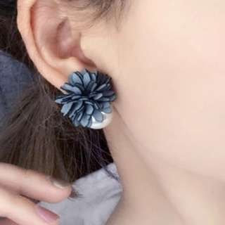 [INSTOCKS] Floral Pearl Studs Earrings