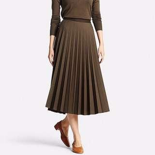 Uniqlo Pleated Skirt (Dark Maroon)