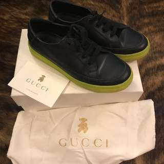 Authentic Gucci Boys Black Leather Sneaker Eur 32