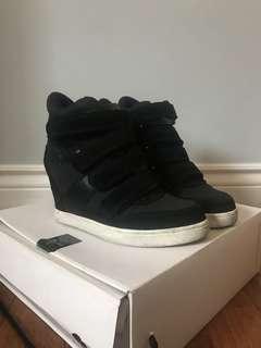 Aldo Sneaker Wedges SIZE 7