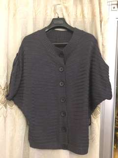 Grey Bat Sleeve Cardigan 灰色蝙蝠袖針織上衣