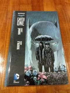 DC - Batman Earth One (Hardcover)