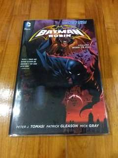 DC - Batman And Robin Vol 1 & 5 (Hardcover)