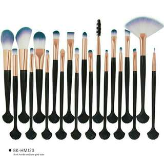 MAANGE BRUSH SET