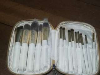 Makeup brush set from Beauty Cosmetics