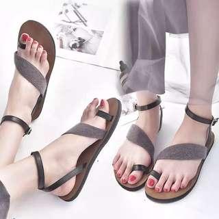 Flat toe casual sandals female 2018 summer new Korean word buckle student wild beach women shoes
