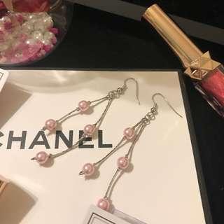 粉色漆珠耳環