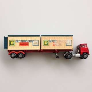 1973 Matchbox Lesney Diecast Scammell Tractor with K-17 Super Kings Trailer and Two Plastic Shipping Containers