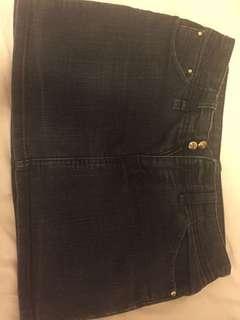 Armani 短裙