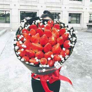 Fresh 33 Strawberries Bouquet