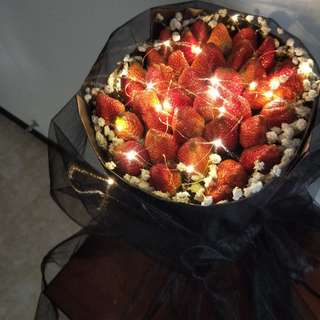 Fresh Strawberries Bouquet with Fairy LED light