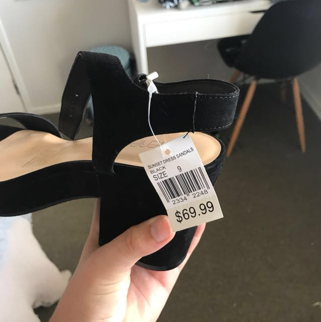 Black high heels size 9