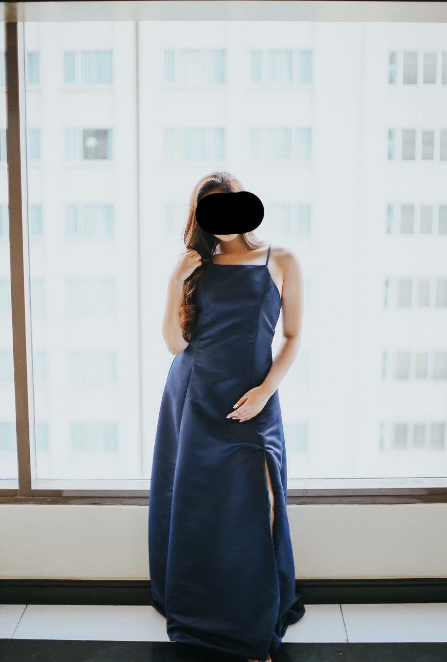 MIDNIGHT BLUE GOWN WITH SLIT AND TRAIL FOR RENT, Preloved Women\'s ...