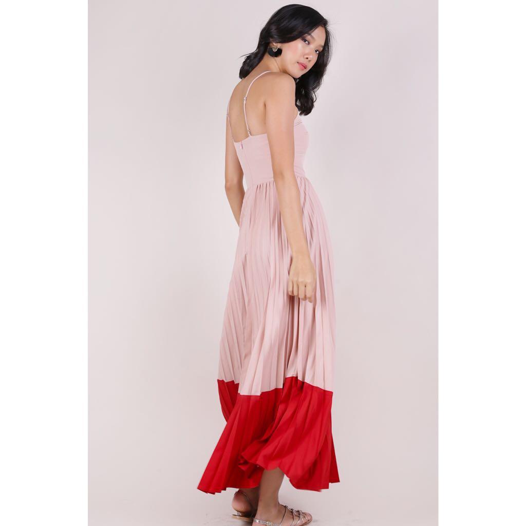 e6244a4a49 TTR Abe Colourblock Maxi Dress (Blush/Scarlet), Women's Fashion, Clothes,  Dresses & Skirts on Carousell