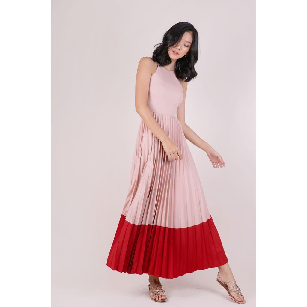 def18dc775 TTR Abe Colourblock Maxi Dress (Blush/Scarlet), Women's Fashion ...