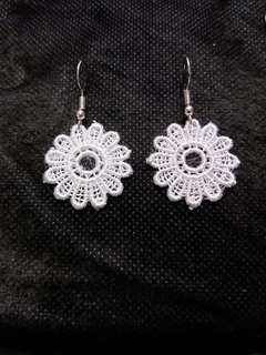 自製手工 lace花耳環 flower earrings