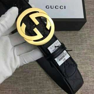 Gucci Belt with pouch and box