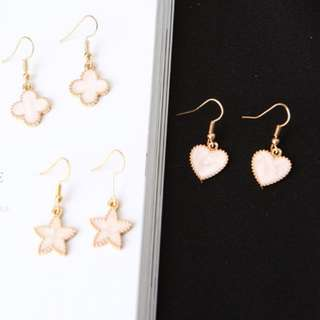 [INSTOCKS] Gold Trim Minimalistic Heart Earrings