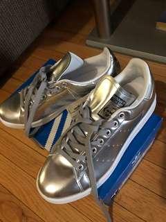Metallic Silver Stand Smith Adidas