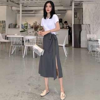 素色白上衣+綁帶高腰開叉長裙