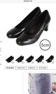 🚚 OL空姐上班族黑色軟羊皮上班工作鞋-跟高5公分圓頭中粗跟鞋