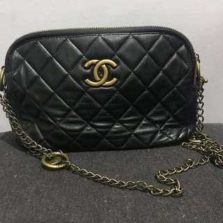 Chanel vintage slingbag