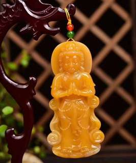 Natural huanglong jade pendant, a texture of oil.