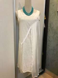 Linen dress with satin pleated design