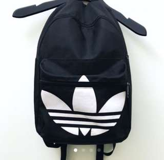 🚚 Adidas 三葉草基本款後背包