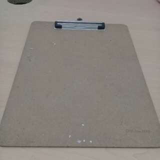 Deli Clip Board (For Short Bond Paper Size)