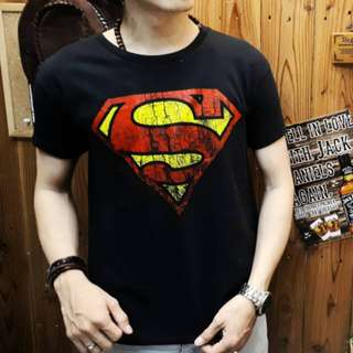 Unisex-Baju Kaos Distro Gambar Superman Super Hero Pria Wanita Cewek Cowok Warna Merah Maroon Ukuran L