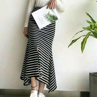 🚚 韓版百搭條紋顯瘦長裙