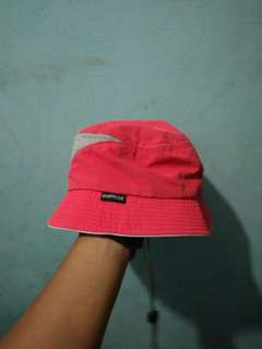 Topi outdoor
