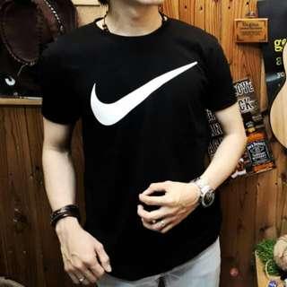 Unisex-Baju Kaos Distro Gambar Logo Nike Pria Wanita Cewek Cowok Warna Hitam Ukuran L