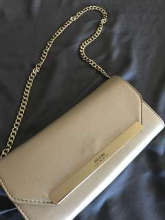 Guess Clutch/Wallet on Chain